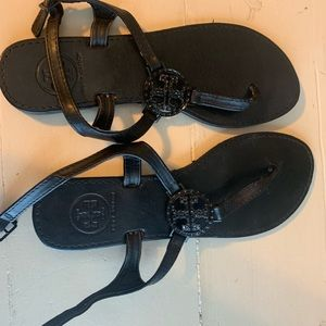 Shoes - Black sandals Tory B style